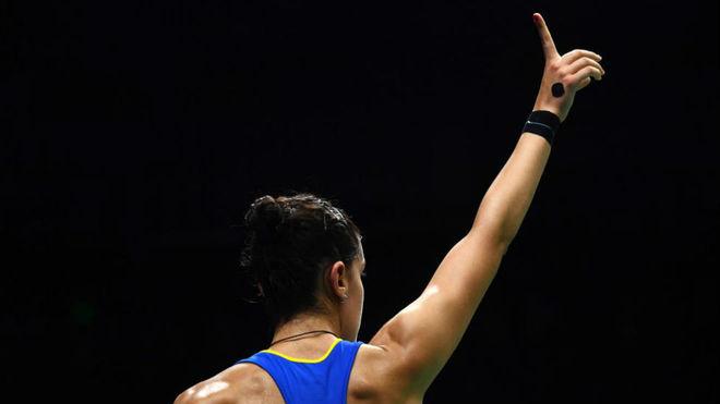 Carolina levanta el dedo índice durante el Mundial.