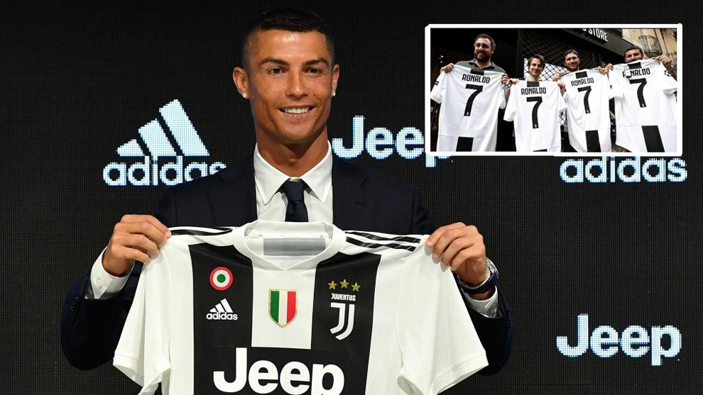 ... de Cristiano Ronaldo del que presume la Juventus. Serie AEl portugués  vende 2 camisetas por minuto 1a8b737c3f374