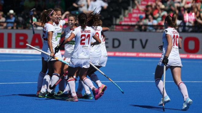 Las 'RedSticks' celebran el primer gol.
