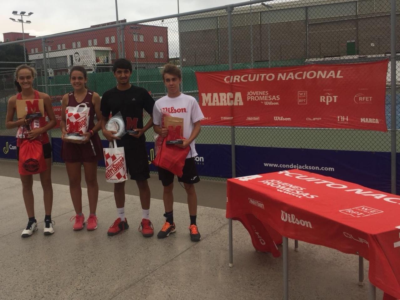 Campeones y finalistas del torneo MARCA Jóvenes Promesas del Club...