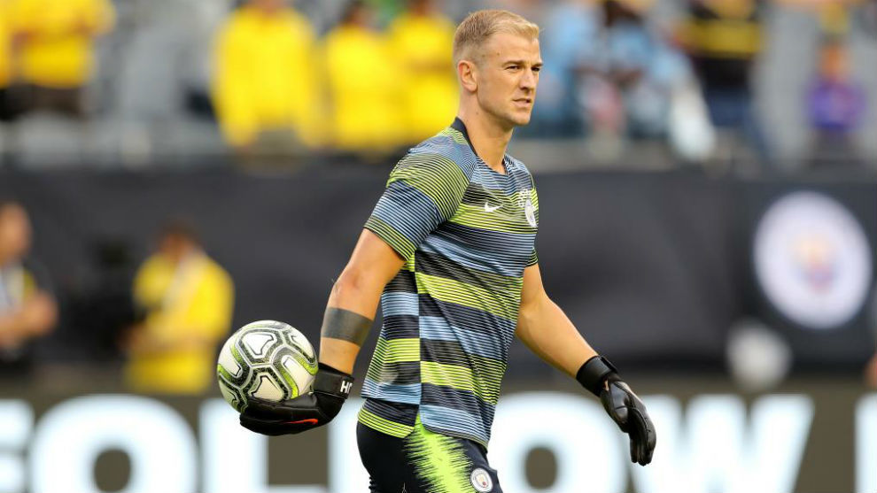Joe Hart, calentando durante la International Champions Cup.