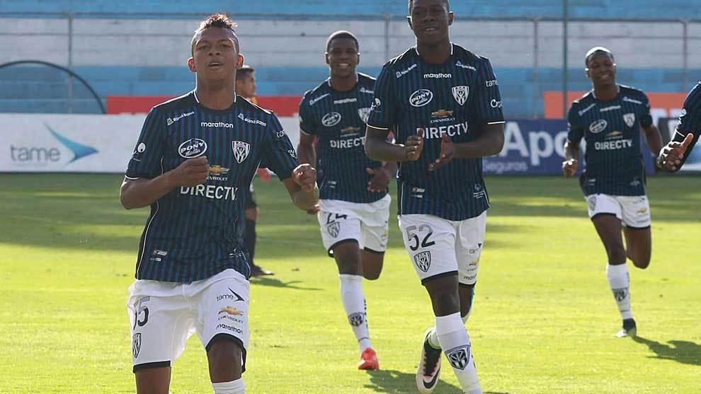 Billy Arce celebra un gol con Independiente del Valle