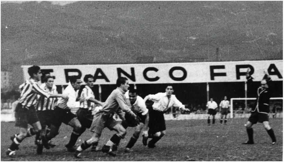 Imagen de un partido de la temporada 1939-40 del Aviación.