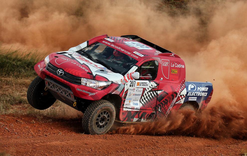 Xevi Pons, con el Toyota en la pasada Baja Aragón.