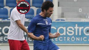 Antonio Briseño celebra un gol esta pretemporada con el Feirense.