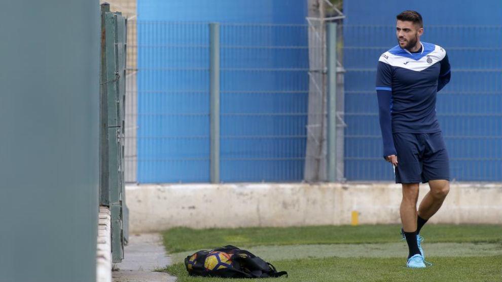 David López, en el campo de entrenamiento de Sant Adrià