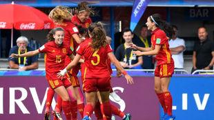 Las jugadoras de la selección celebran el gol de Carmen Menayo.