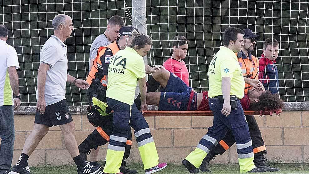 Aridane abandona en camilla el amistoso ante el Lleida en Marcilla