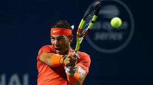 Rafael Nadal, en acción durante su partido ante Wawrinka.