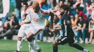 Bebé en carrera en un partido amistoso ante el Istanbul Basaksehir