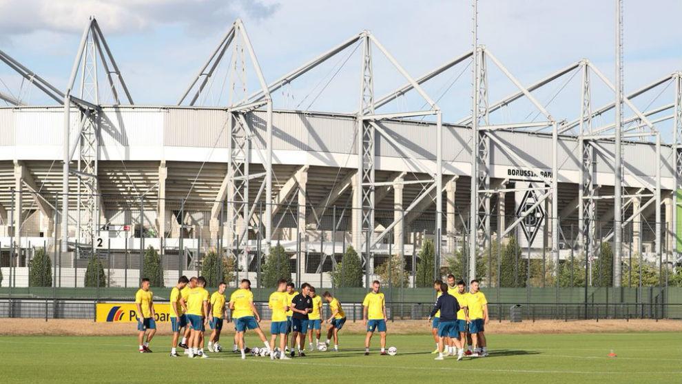 El Espanyol se entrena en el campo anexo al Borussia-Park