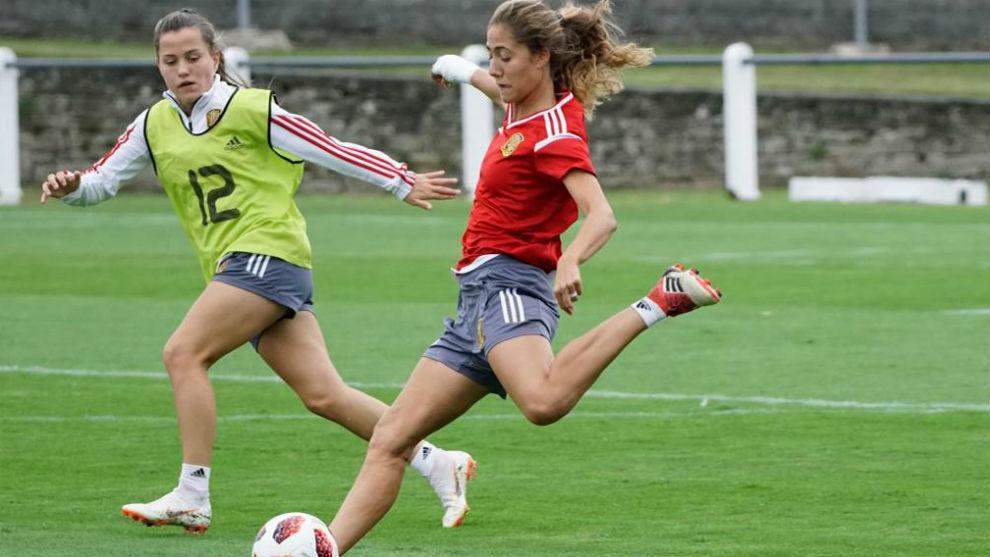 Laia Aleixandri, durante un entrenamiento con la selección.