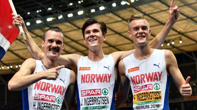 Los hermanos Ingebrigtsen, Henrik, Jakob y Filip, tras la final