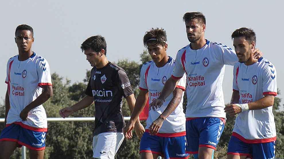 Luso celebra con sus compañeros el gol de Majadahonda en Los Ángeles