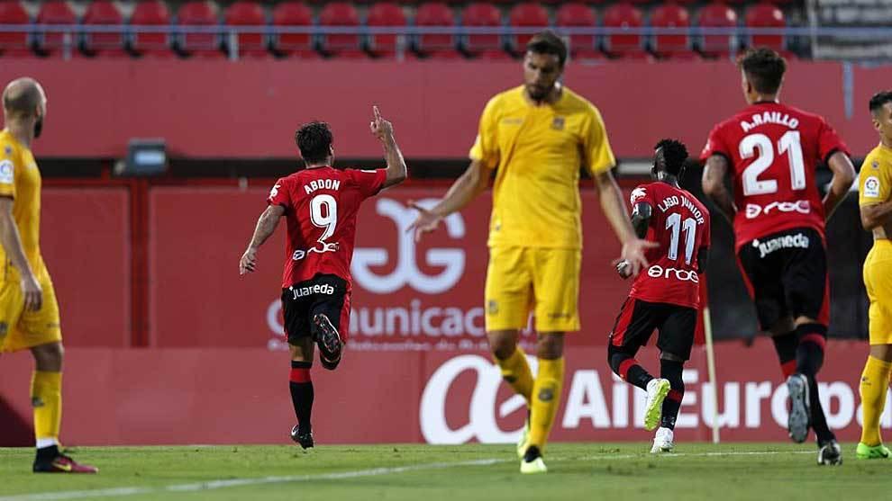 Abdón Prats celebra el primer gol del Mallorca ante el Alcorcón