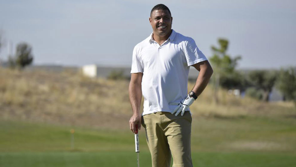 Former Brazil striker Ronaldo says he is hospitalised with flu