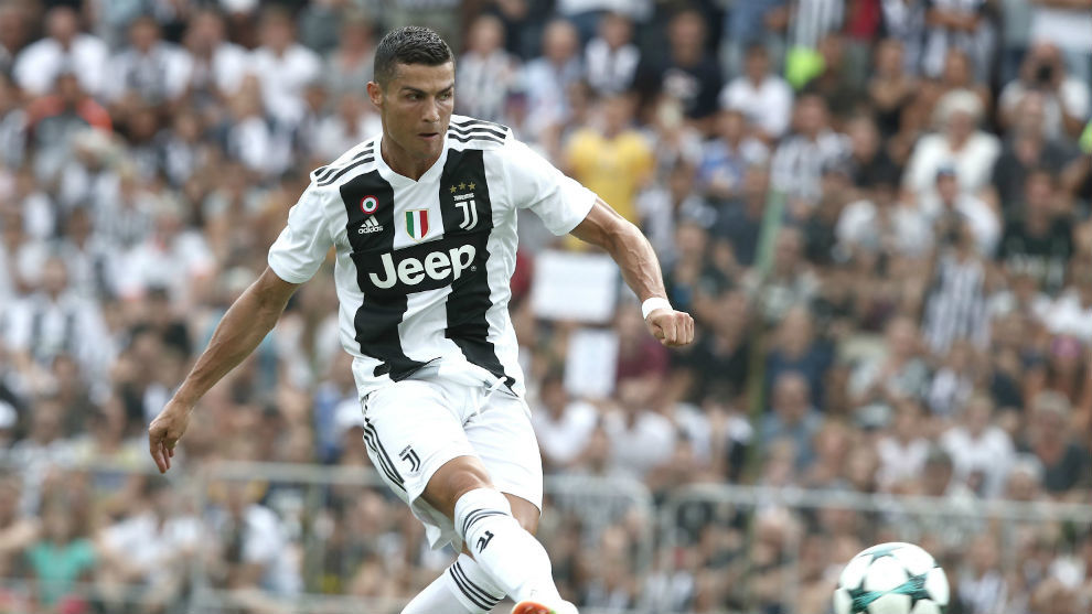 Cristiano Ronaldo opens the scoring as Juventus win on his debut