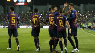 La plantilla del Barça celebrando un tanto