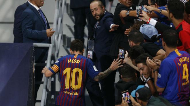 Messi, aclamado por el público marroquí, va camino de recoger el...