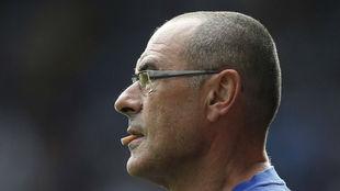 Maurizio Sarri mastica un filtro de tabaco durante un partido del...