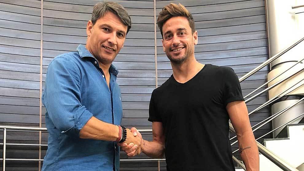 Casto saluda al director deportivo azulgrana  Daniel López Ramos