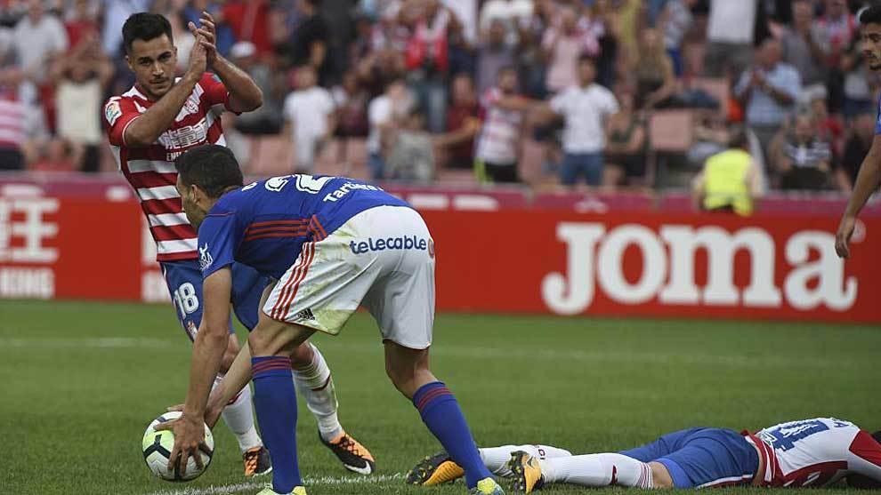 Joselu, en el partido de la pasada temporada ante el Oviedo en Granada