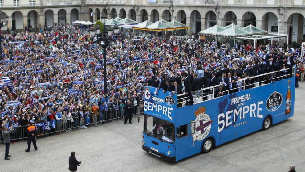 Celebración del ascenso del Deportivo en 2014 en la Plaza de María...