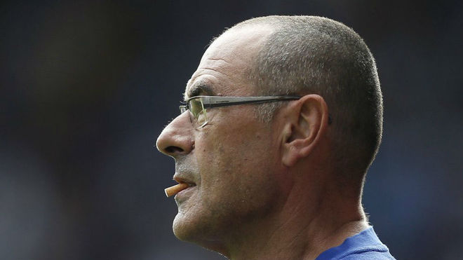 Chelsea legend compares new manager Maurizio Sarri and Antonio Conte