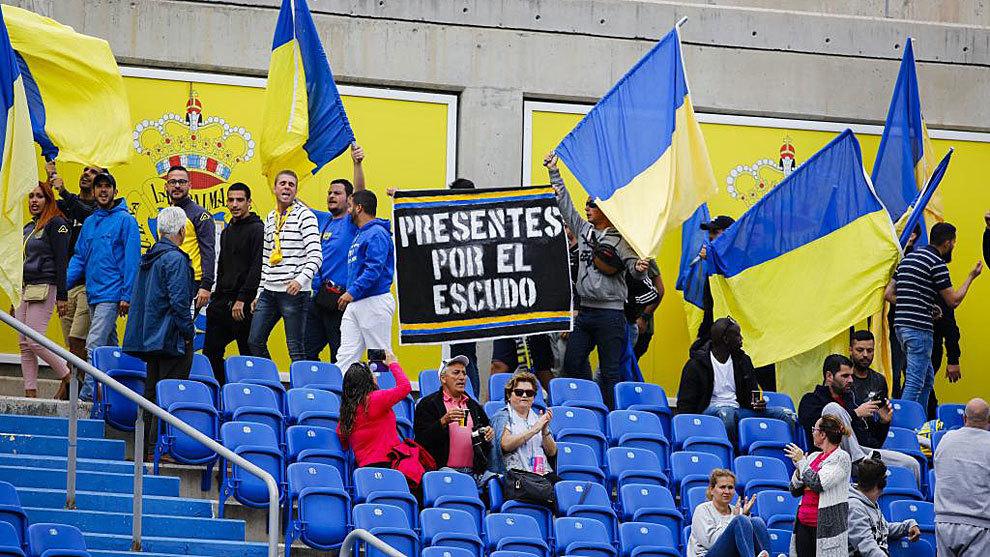 Protestas de la afición amarilla durante un partido de la pasada...