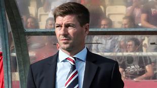 Steven Gerrard al frente del Glasgow Rangers