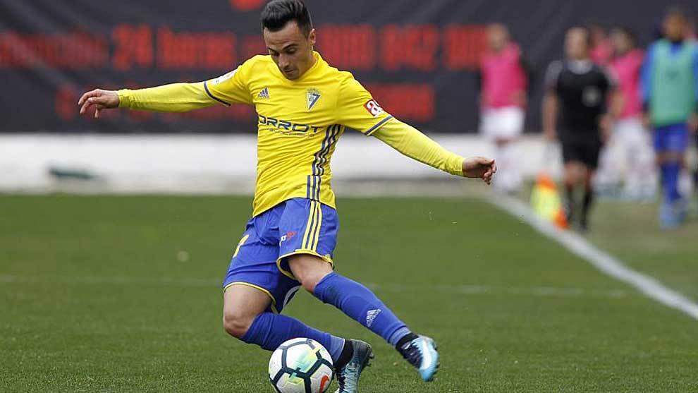 Álvaro García, durante el partido del Cádiz en Vallecas esta...
