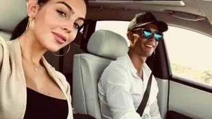Georgina Rodríguez, pareja de Cristiano Ronaldo, hace sus pinitos con...