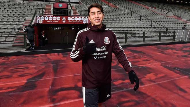 Omar Govea seguirá jugando en Bélgica con el Royal Antwerp