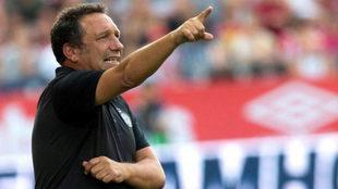 Eusebio Sacristán, técnico del Girona, próximo rival del...