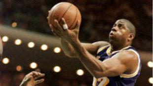 Magic Johnson, en un encuentro de los Lakers.