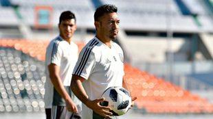 Fabián en un entrenamiento de la Selección Mexicana