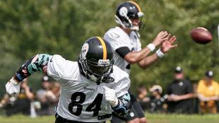 Big Ben y Antonio Brown en el campo de entrenamiento de los Steelers.