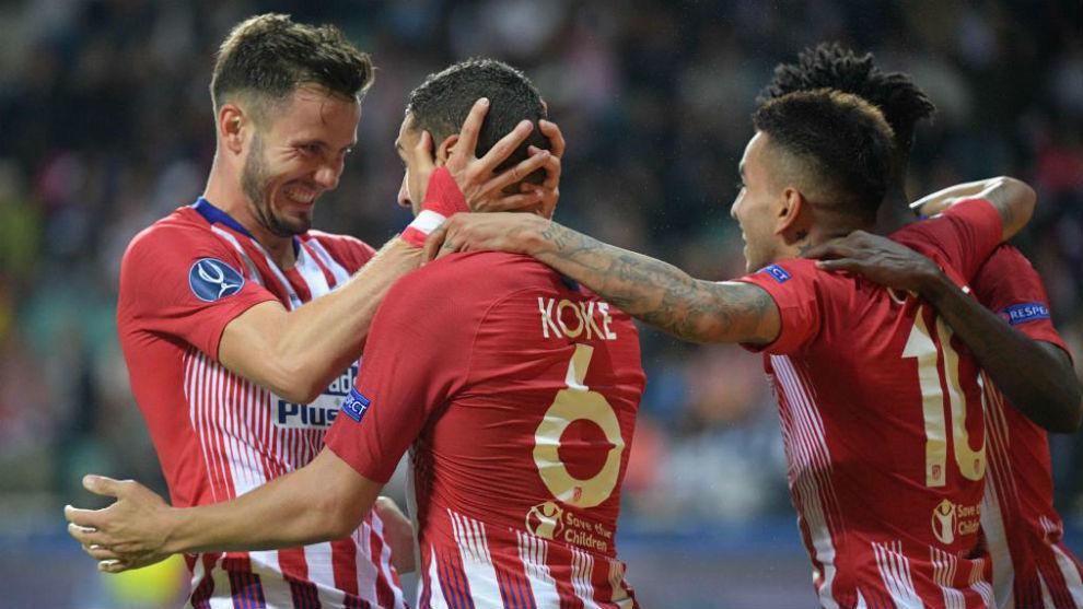 Saúl y Kke celebran un gol en Tallin.