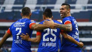 Cruz Azul sigue con la racha positiva en copa y liga.