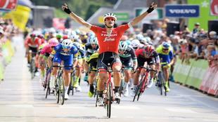 Jasper Stuyven celebra su primer triunfo del año.