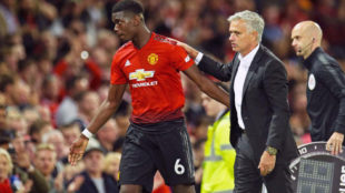 Mourinho reacts as Pogba leaves the pitch during the match between...