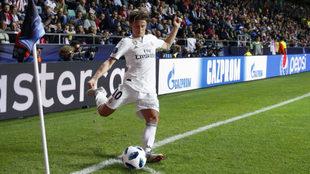 Modric saca un córner en el partido de la Supercopa de Europa contra...