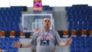 El seleccionador Lucas Mondelo, durante un partido