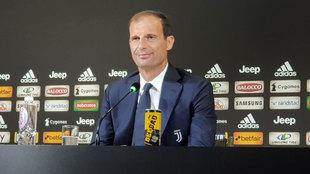 Rueda de prensa antes del partido del debut en la Serie A