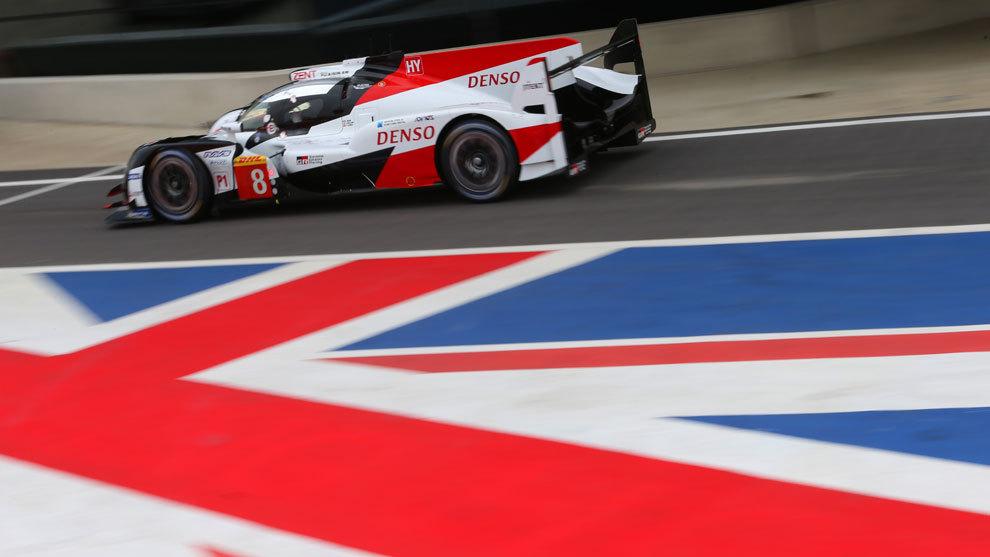 El Toyota 8 de Fernando Alonso, durante la clasificación.