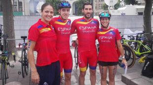 Anna Godoy, primera por la derecha, con el equipo español de relevos.