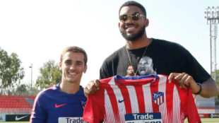 NBA star Karl Anthony Towns watches Atletico Madrid training