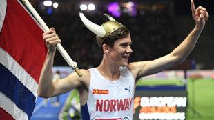 Jakob Ingebrigtsen celebra su victoria en los 1.500 del Europeo de...