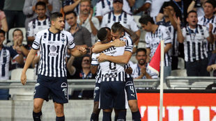 Nico Sánchez abrazo a Dorlan Pabón