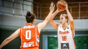 Marta García defendida por la serbia Marta Jovanovic